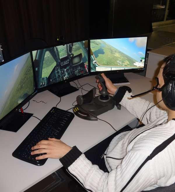 Тренажер Т2: робоче місце пілота літака МІГ-29